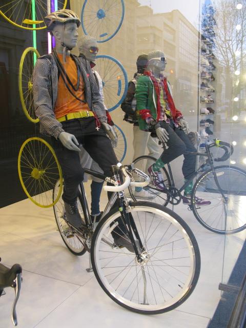 topshop-bicycle-window-2