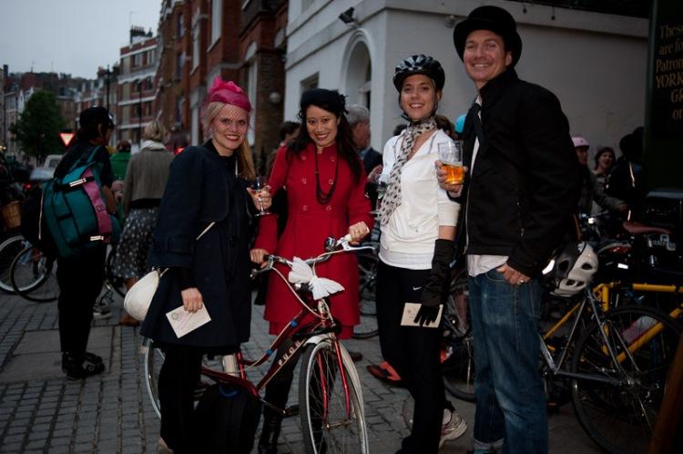 cyclodelic champagne bicycle treasure hunt